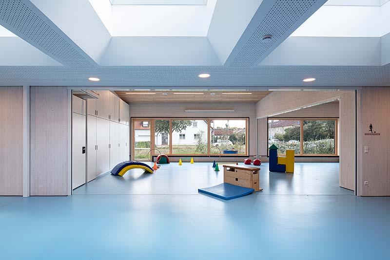 Haus für Kinder Kindergarten Neuburg Turnhalle